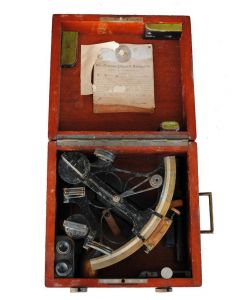 Sextant Hugues and sons dans sa boite 1910